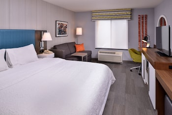 Hotel - Hampton Inn & Suites Carson City
