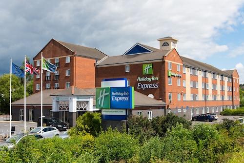 . Holiday Inn Express Newcastle - Metro Centre