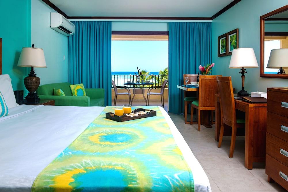 https://i.travelapi.com/hotels/2000000/1290000/1287900/1287831/92473d55_z.jpg