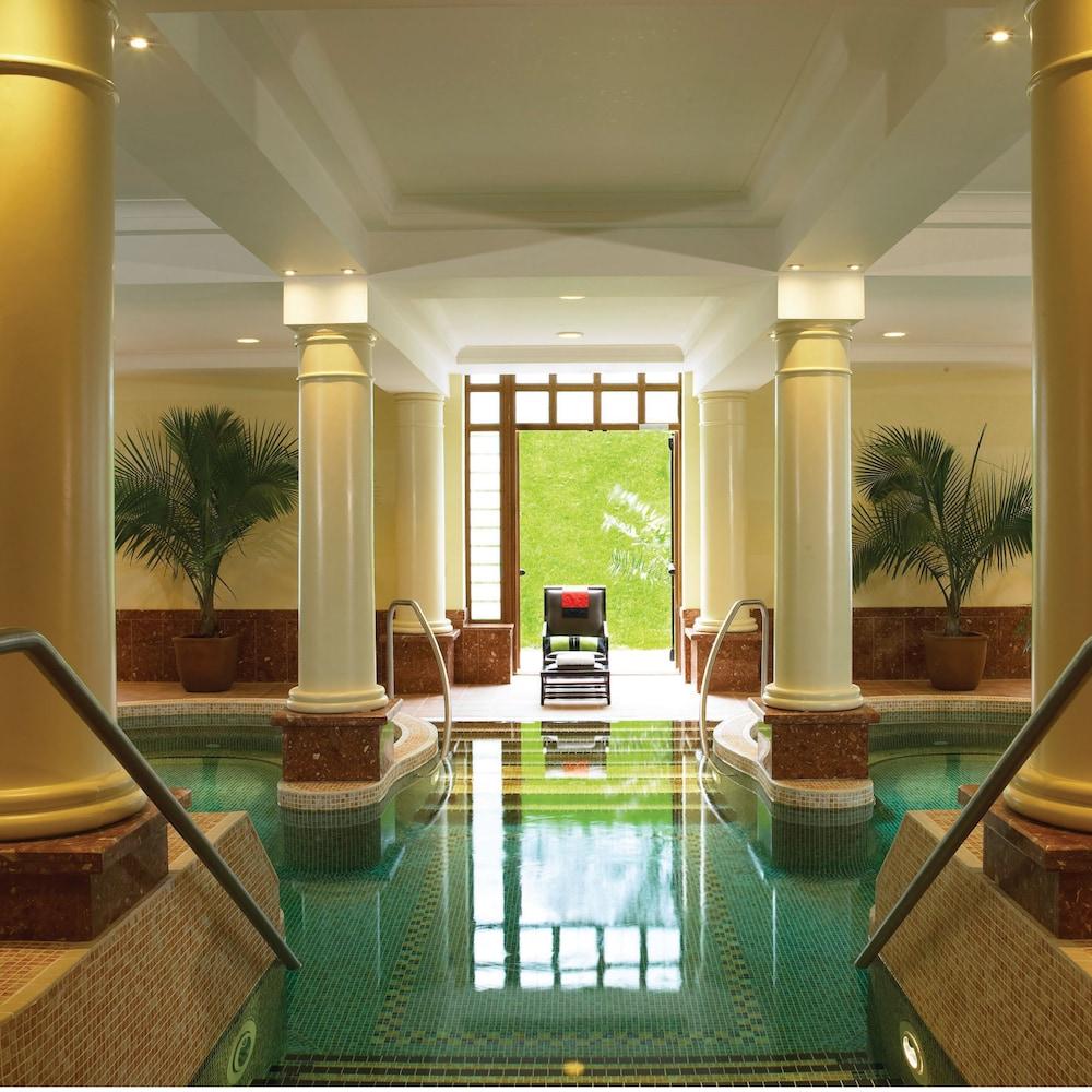 https://i.travelapi.com/hotels/2000000/1290000/1289300/1289255/a9e1f541_z.jpg