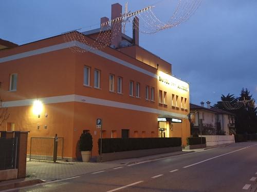. Hotel Altieri