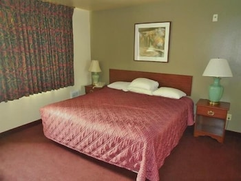 Suite, Non Smoking, Jetted Tub (1 Full and 1 King Bed)