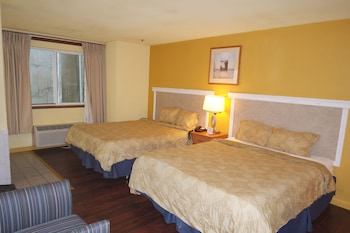 Suite, 2 Queen Beds, Non Smoking, Jetted Tub