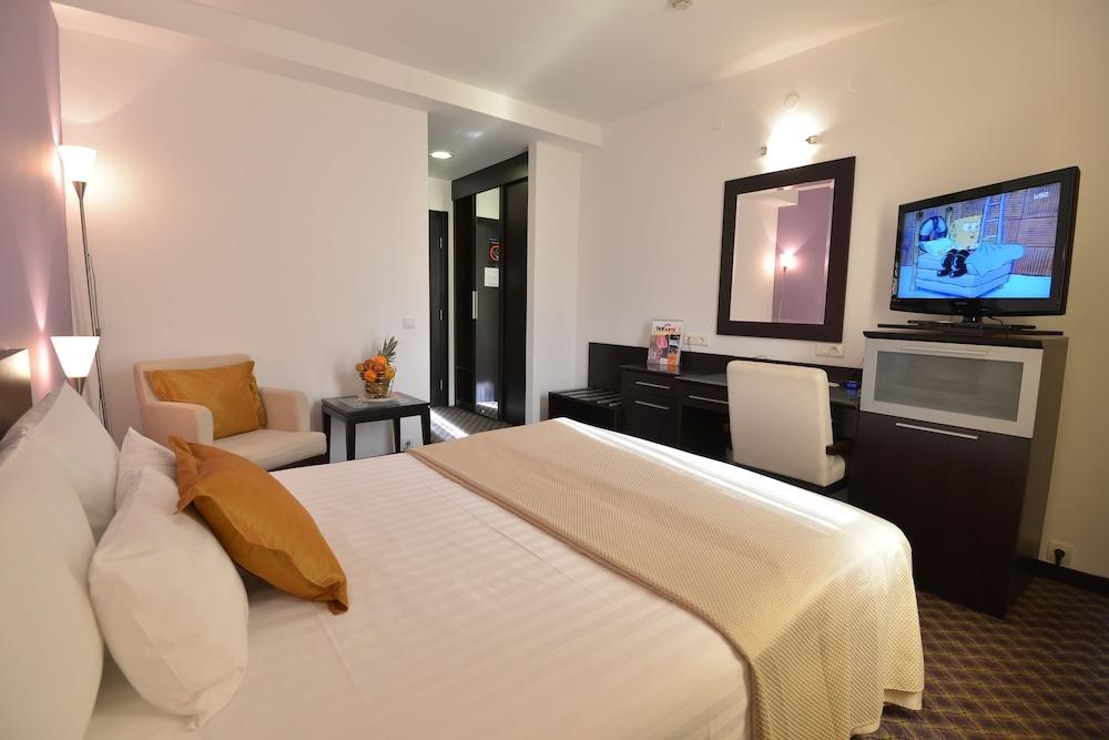 호텔 수마디야
