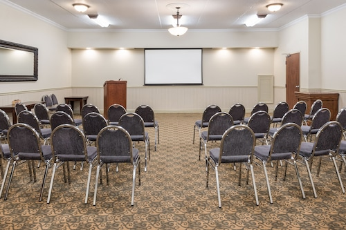 Holiday Inn Express Hotel & Suites Gananoque, Leeds and Grenville