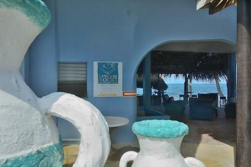 . Parrot Cove Lodge