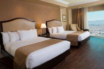 Premium View 2 Queen Beds – Non Smoking
