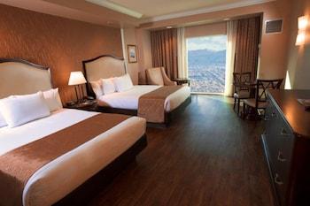 Standard Room, 2 Queen Beds, Pool View