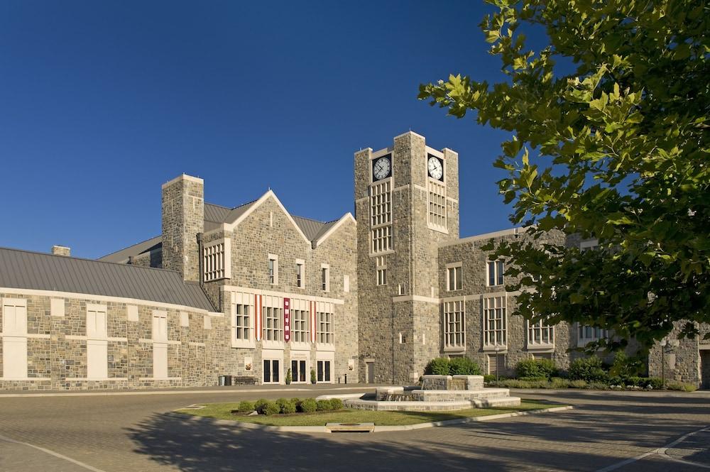 디 인 앳 버지니아 테크 앤드 스켈턴 컨퍼런스 센터(The Inn At Virginia Tech and Skelton Conference Center) Hotel Image 20 - Exterior