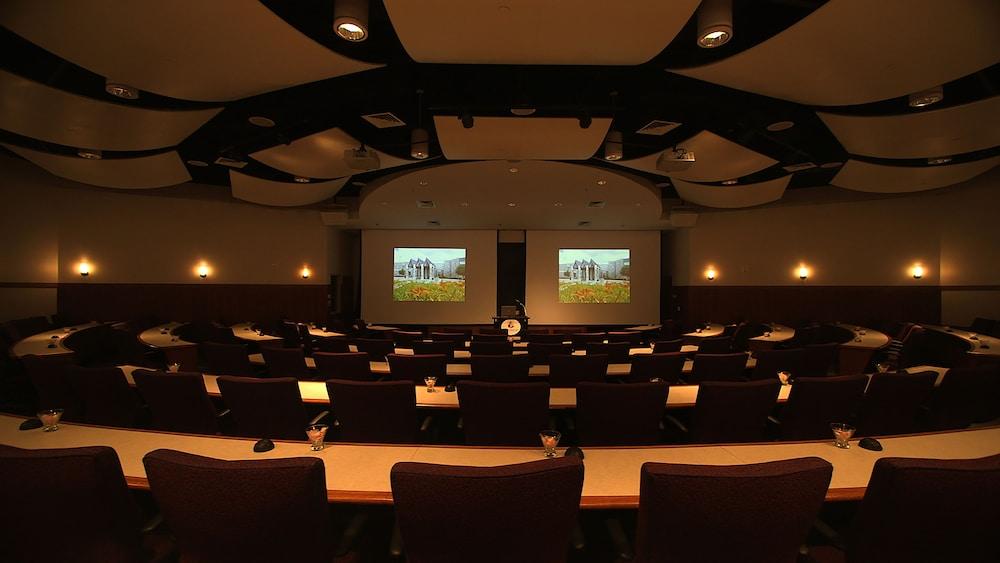 디 인 앳 버지니아 테크 앤드 스켈턴 컨퍼런스 센터(The Inn At Virginia Tech and Skelton Conference Center) Hotel Image 15 - Meeting Facility