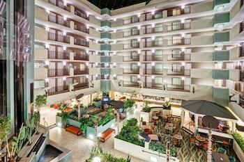 邁爾斯堡艾斯特羅希爾頓大使套房飯店 Embassy Suites by Hilton Fort Myers Estero