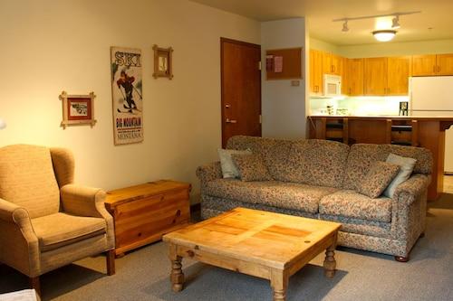 Kintla Lodge, Flathead