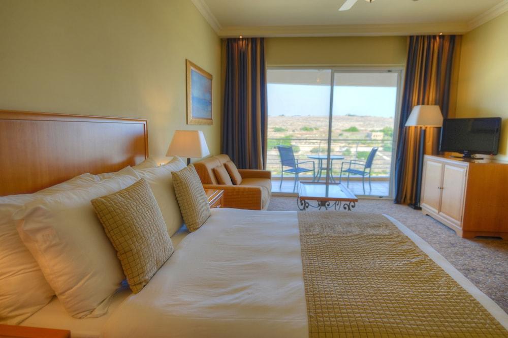 래디슨 블루 리조트 & 스파, 말타 골든 샌즈(Radisson Blu Resort & Spa, Malta Golden Sands) Hotel Image 10 - Guestroom