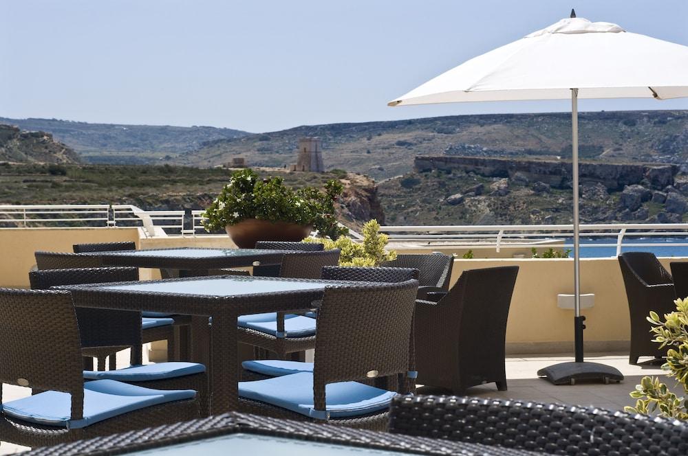 래디슨 블루 리조트 & 스파, 말타 골든 샌즈(Radisson Blu Resort & Spa, Malta Golden Sands) Hotel Image 41 - Restaurant