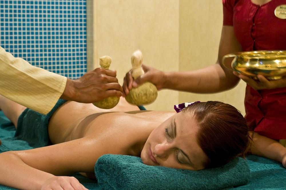 래디슨 블루 리조트 & 스파, 말타 골든 샌즈(Radisson Blu Resort & Spa, Malta Golden Sands) Hotel Image 37 - Massage