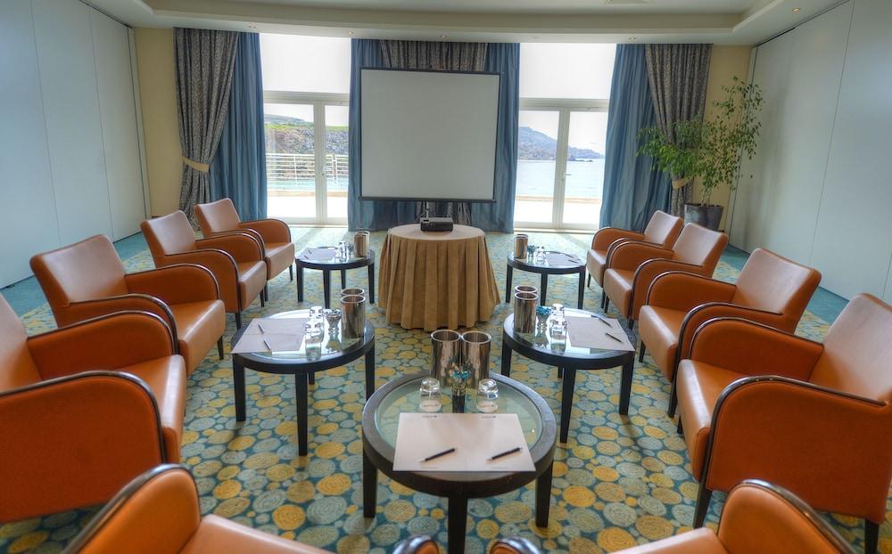 래디슨 블루 리조트 & 스파, 말타 골든 샌즈(Radisson Blu Resort & Spa, Malta Golden Sands) Hotel Image 48 - Meeting Facility