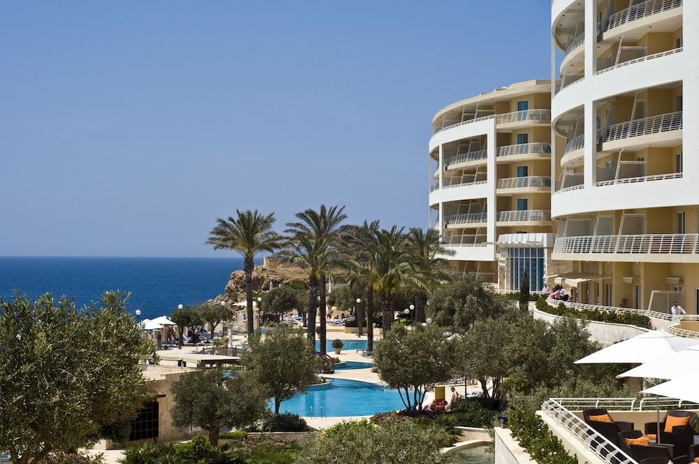 래디슨 블루 리조트 & 스파, 말타 골든 샌즈(Radisson Blu Resort & Spa, Malta Golden Sands) Hotel Image 0 - Featured Image