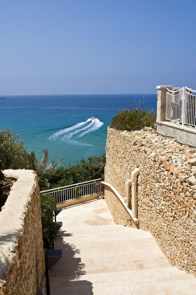 래디슨 블루 리조트 & 스파, 말타 골든 샌즈(Radisson Blu Resort & Spa, Malta Golden Sands) Hotel Image 51 - Beach