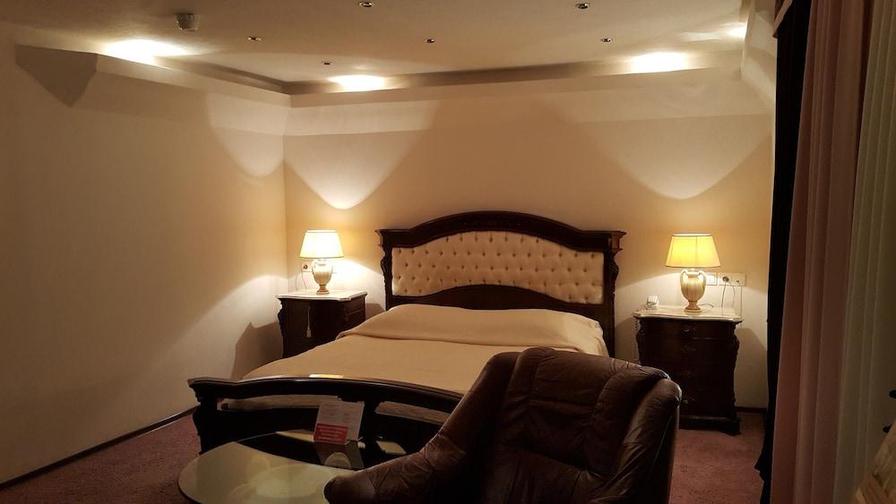 Гостиница Геолог, Сургут