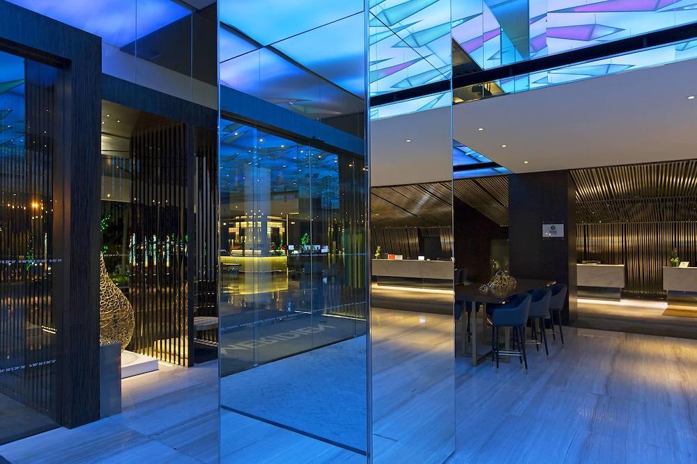 르 메르디앙 코타키나발루(Le Meridien Kota Kinabalu) Hotel Image 47 - Hotel Bar