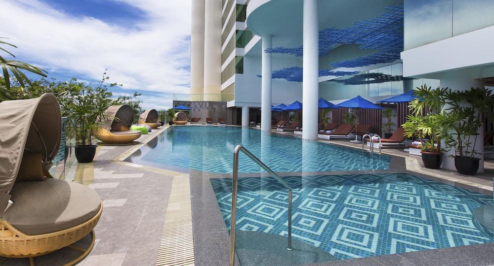 르 메르디앙 코타키나발루(Le Meridien Kota Kinabalu) Hotel Image 25 - Outdoor Pool