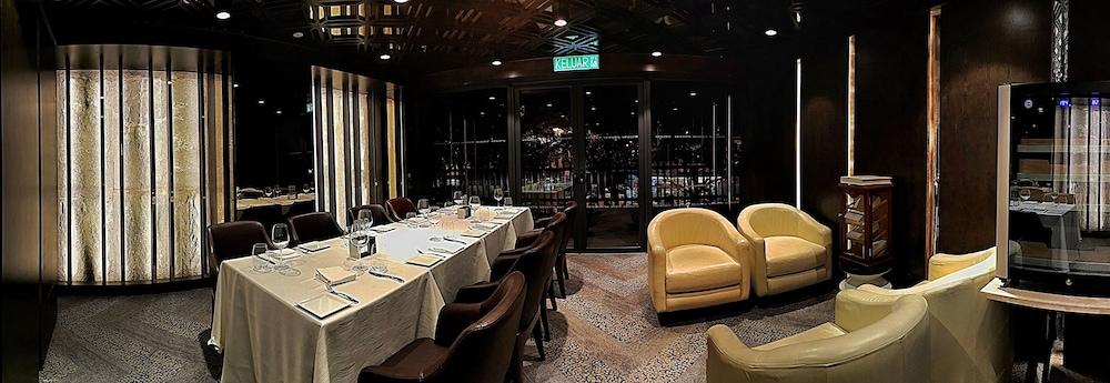 르 메르디앙 코타키나발루(Le Meridien Kota Kinabalu) Hotel Image 34 - Restaurant