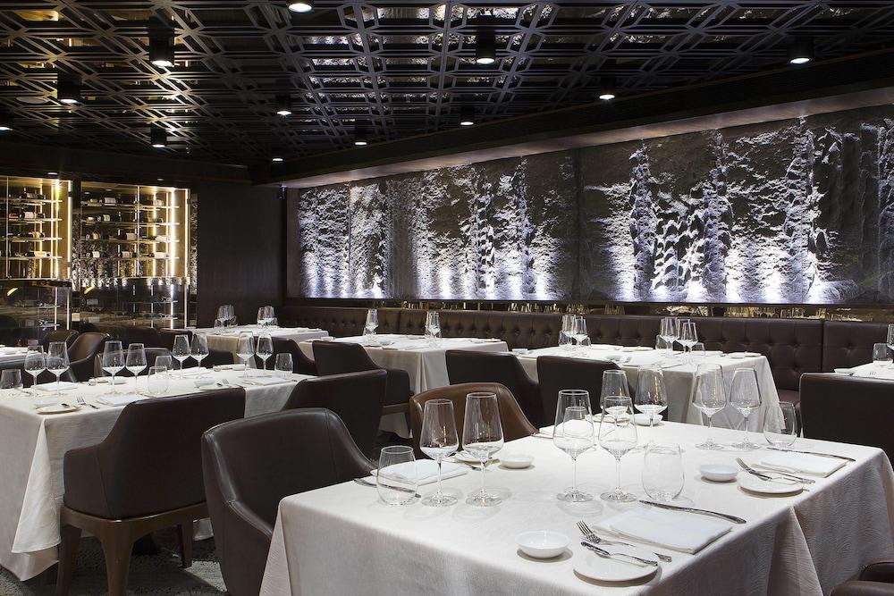르 메르디앙 코타키나발루(Le Meridien Kota Kinabalu) Hotel Image 40 - Restaurant