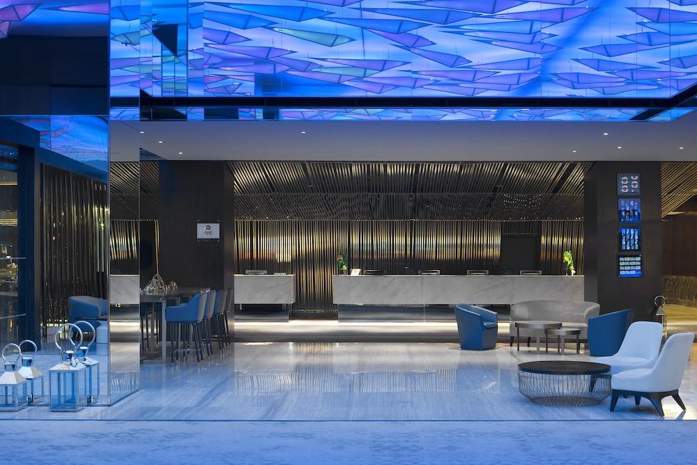 르 메르디앙 코타키나발루(Le Meridien Kota Kinabalu) Hotel Image 1 - Lobby
