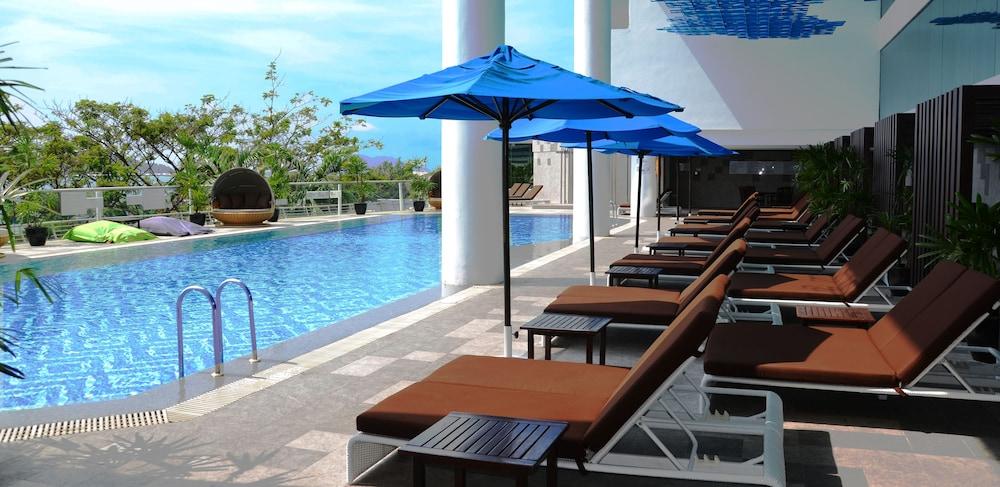 르 메르디앙 코타키나발루(Le Meridien Kota Kinabalu) Hotel Image 24 - Outdoor Pool