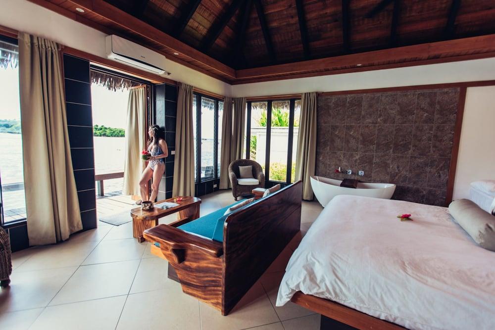 https://i.travelapi.com/hotels/2000000/1330000/1324100/1324010/202e64a2_z.jpg