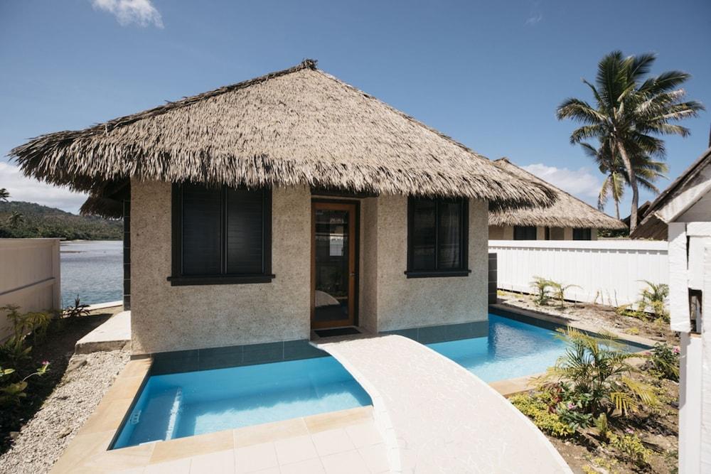 https://i.travelapi.com/hotels/2000000/1330000/1324100/1324010/32a1df86_z.jpg