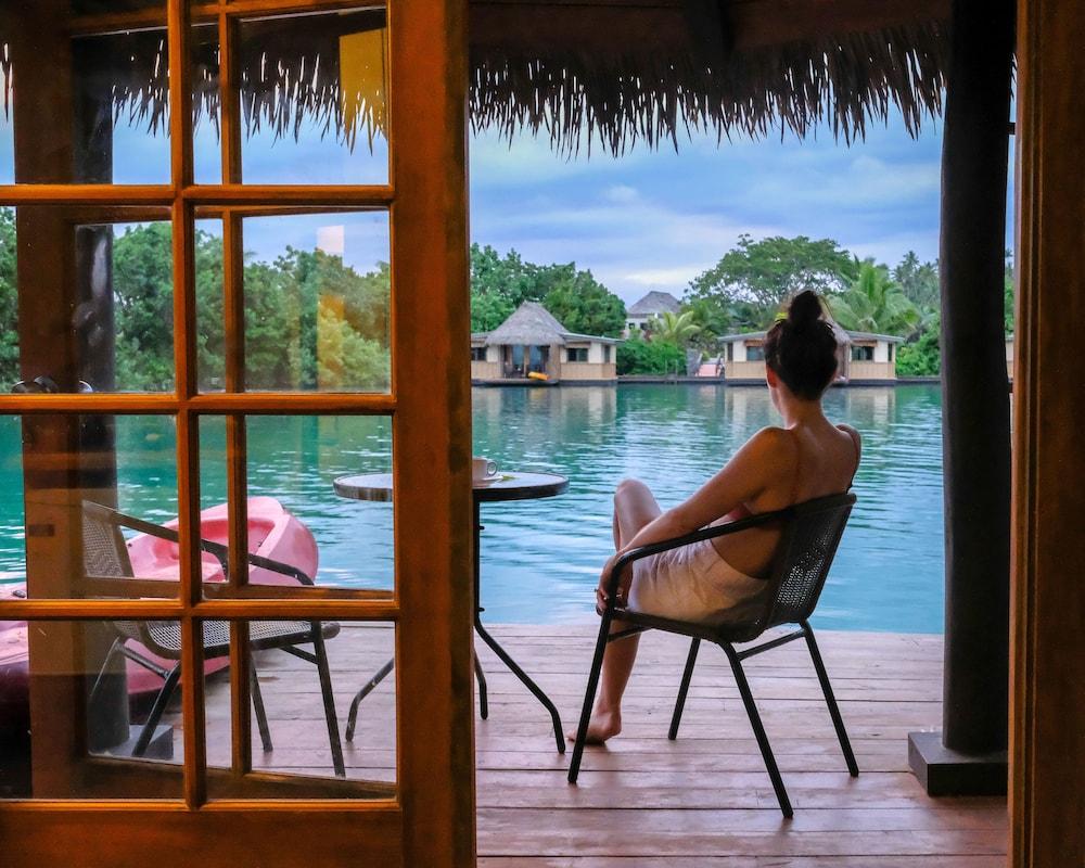 https://i.travelapi.com/hotels/2000000/1330000/1324100/1324010/3c8011bb_z.jpg