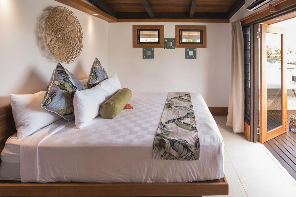 https://i.travelapi.com/hotels/2000000/1330000/1324100/1324010/716bdd05_z.jpg
