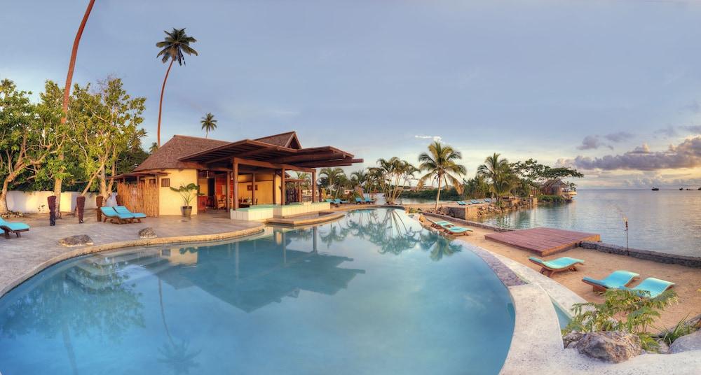 https://i.travelapi.com/hotels/2000000/1330000/1324100/1324010/78360b90_z.jpg