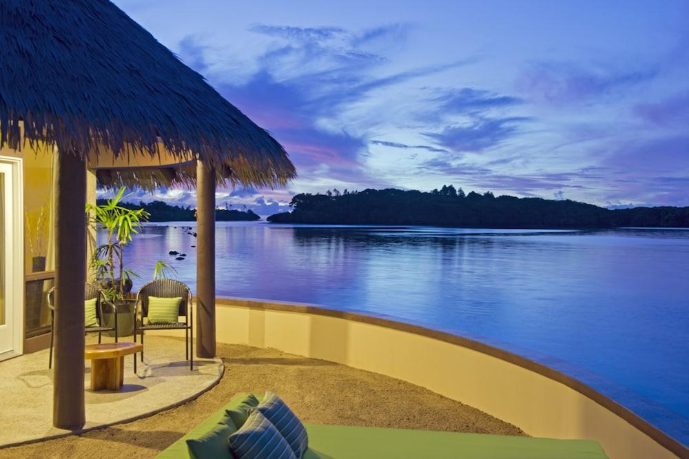 https://i.travelapi.com/hotels/2000000/1330000/1324100/1324010/99f2fbed_z.jpg