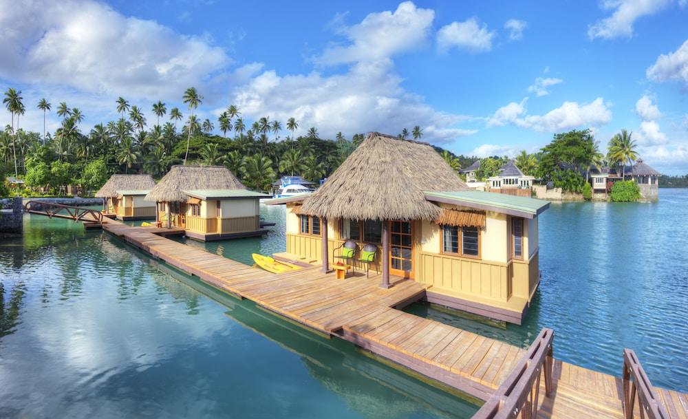 https://i.travelapi.com/hotels/2000000/1330000/1324100/1324010/e82a22cc_z.jpg