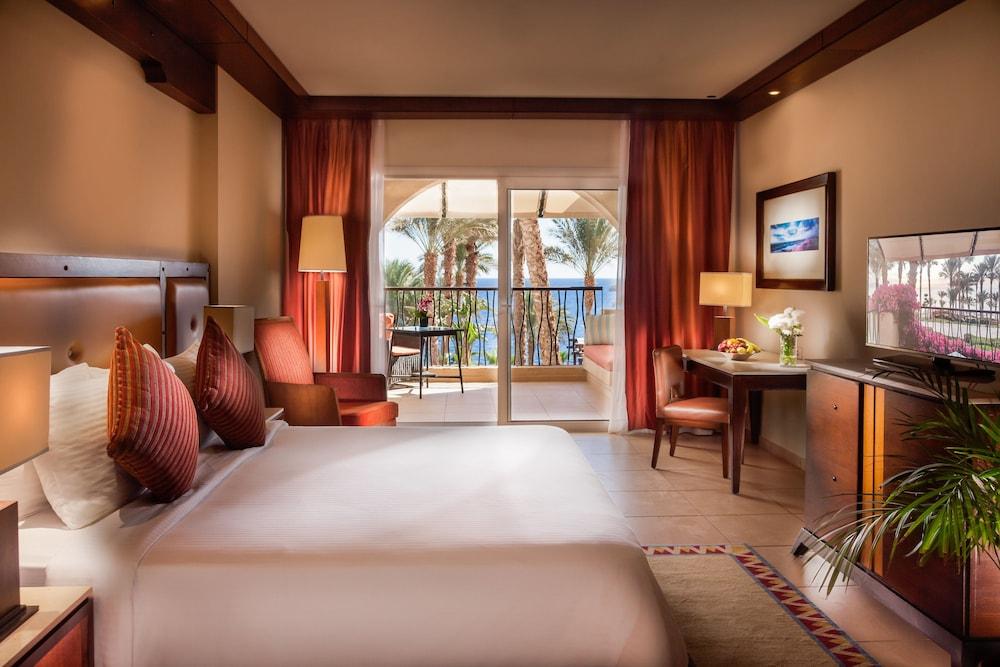 Grand Rotana Resort & Spa, Featured Image