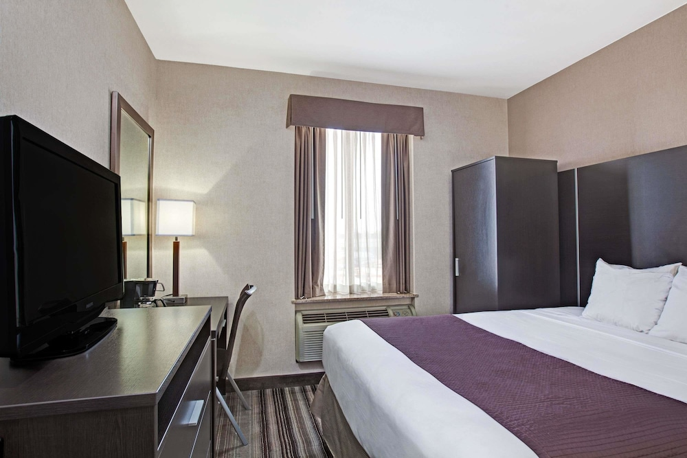 데이즈 인 바이 윈덤 자메이카/JFK 에어포트(Days Inn by Wyndham Jamaica / JFK Airport) Hotel Image 12 - Guestroom