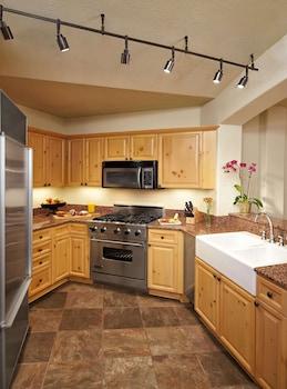 Luxury Apartment, 3 Bedrooms, Non Smoking (Residence)