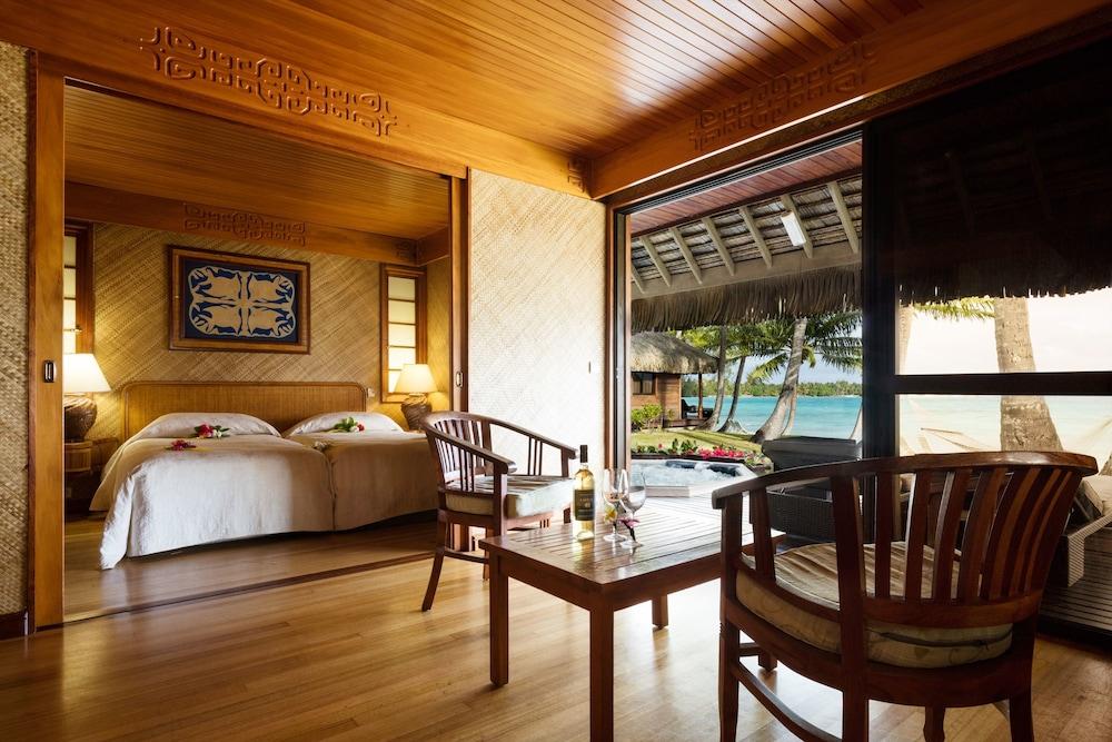 https://i.travelapi.com/hotels/2000000/1330000/1329100/1329033/24a1f3df_z.jpg