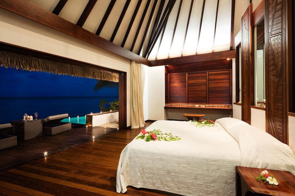 https://i.travelapi.com/hotels/2000000/1330000/1329100/1329033/f2ddff61_z.jpg