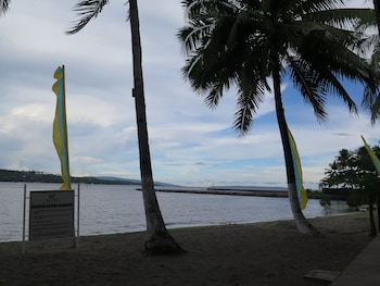 Waterfront Insular Hotel Davao Beach