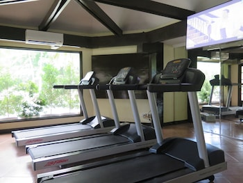 Waterfront Insular Hotel Davao Gym