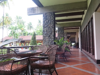 Waterfront Insular Hotel Davao Terrace/Patio