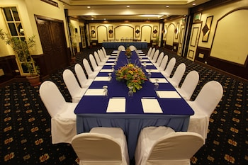 Waterfront Insular Hotel Davao Meeting Facility