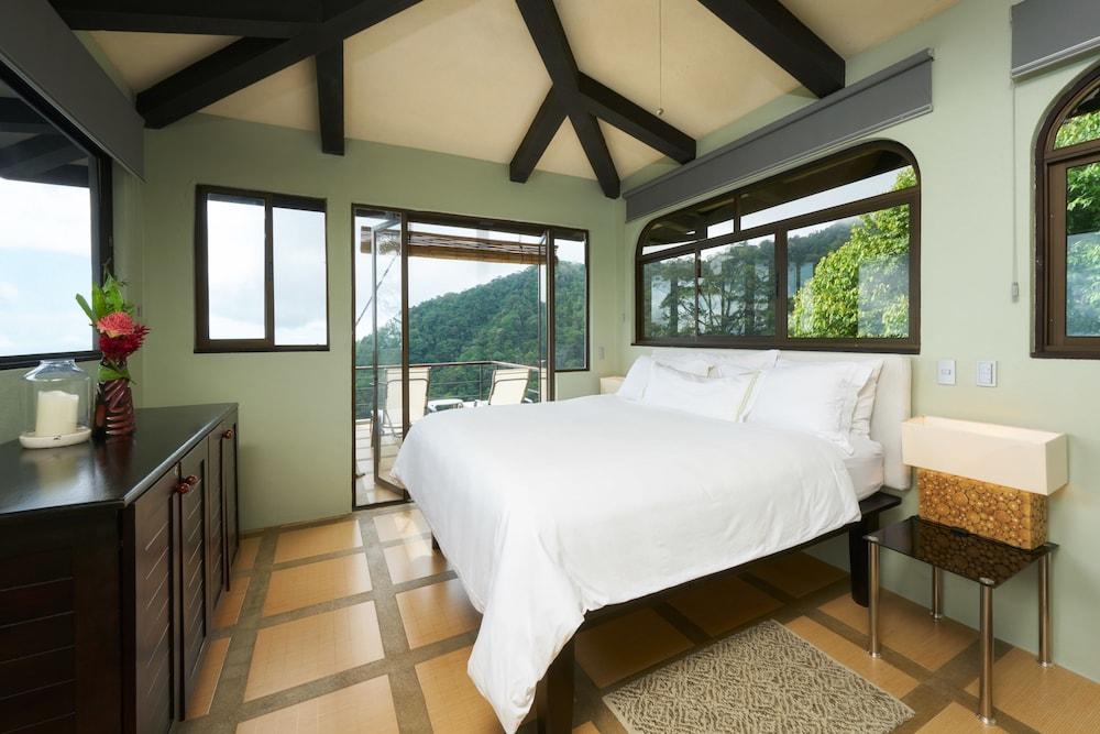https://i.travelapi.com/hotels/2000000/1340000/1331000/1330912/b504c830_z.jpg