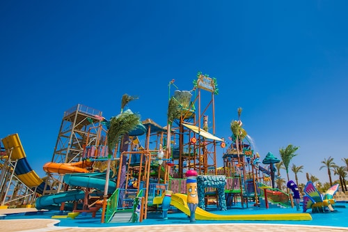 Golden Paradise Aqua Park City, Safaja