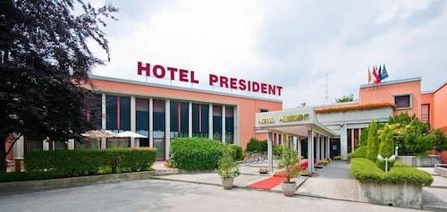 . Grand Hotel President