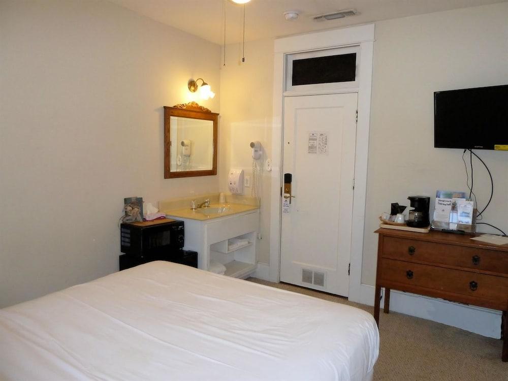 아메리카스 베스트 밸류 인 & 스위트 - 로열 캐리지(Americas Best Value Inn & Suites-Royal Carriage) Hotel Image 9 - Guestroom