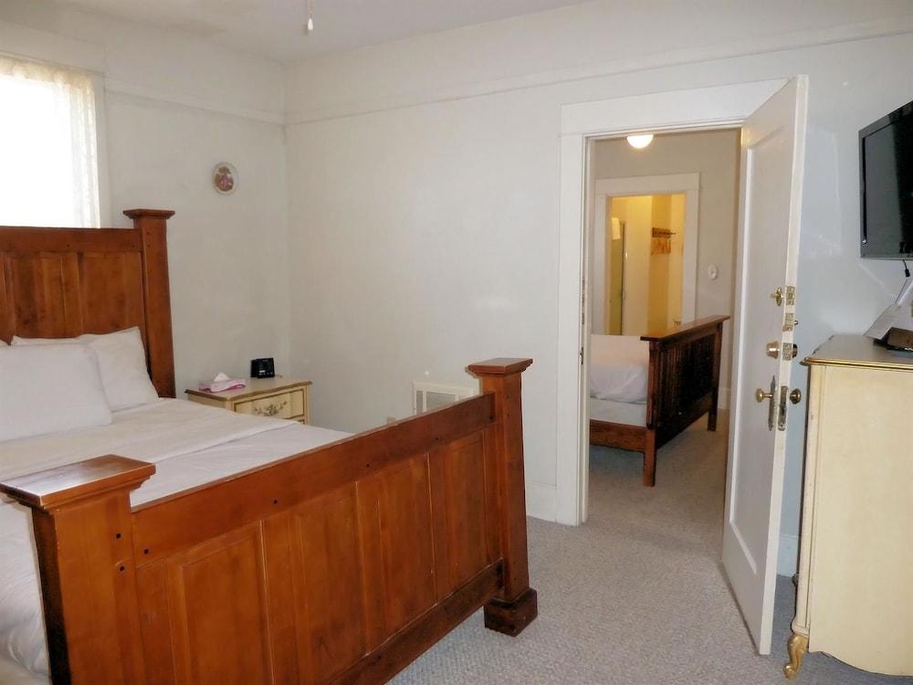 아메리카스 베스트 밸류 인 & 스위트 - 로열 캐리지(Americas Best Value Inn & Suites-Royal Carriage) Hotel Image 8 - Guestroom